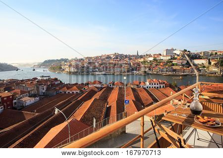 Relaxing balcony with Port wine with a view over the river Douro
