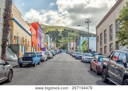 Cape Town, South Africa, August 17, 2018: A Street Scene, With Multi-colored Houses, In The Bo-kaap