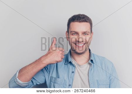 Close Up Portrait Of Attractive Good-looking Man Show Thumb Up Stand Isolated On Light Gray Backgrou
