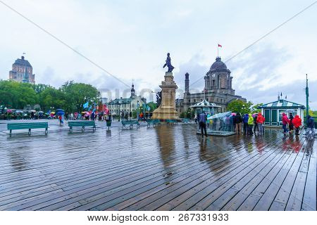 Quebec City, Canada - September 26, 2018: Scene Of The Dufferin Terrace With Locals And Visitors, In