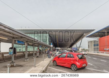 Cape Town, South Africa, August 19, 2018: The Drop-off Area At The Cape Town International Airport I