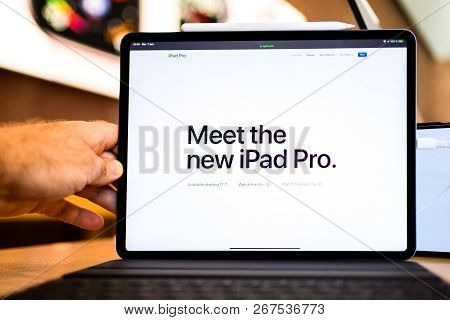 Paris, France - Nov 7, 2018: Meet The New Ipad Pro Messa Seen By Customer Pov Personal Perspective E