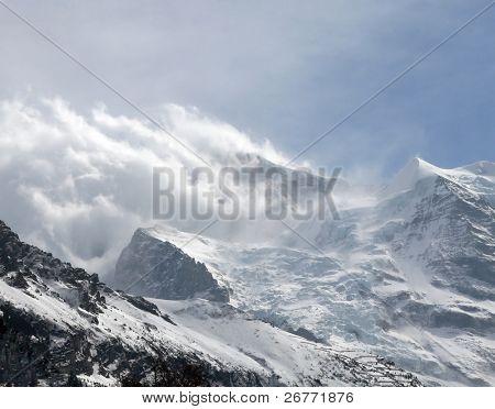 Tormenta de nieve sobre glaciar Eiger