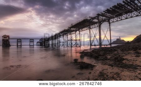 Editorial Swansea, Uk - October 05, 2018: Mumbles Pier In The Middle Of Massive Refurbishment, Silho