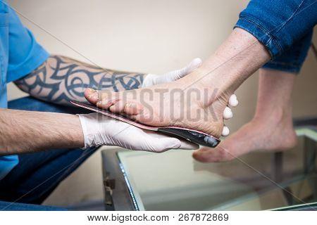 Medicine, Orthopedic, Individual, Health, Orthopedist, Doctor, Sickness, Specialist, Shows, Feet, In
