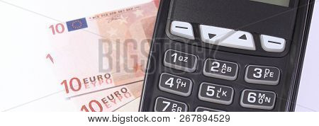 Credit Card Reader, Payment Terminal With Currencies Euro, Choice Between Cashless Or Cash Paying Fo