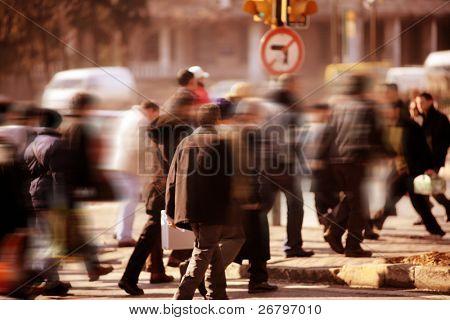 ein Bild des Menschen gehen Rush hour