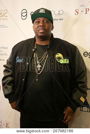 WESTBURY, NY - NOV 8: Rapper Erick Sermon of EPMD attends the 2018 Long Island Music Hall of Fame induction ceremony at The Space at Westbury on November 8, 2018 in Westbury, New York.