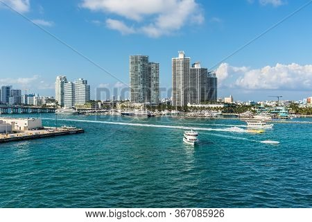 Miami, Fl, United States - April 28, 2019: Luxury High-rise Condominiums Overlooking Boat Traffic On