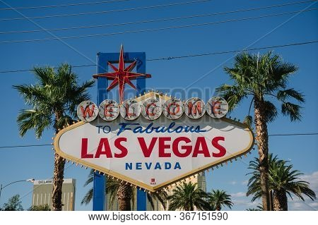 Las Vegas, Usa - October 3, 2015: Welcome To Fabulous Las Vegas Nevada.