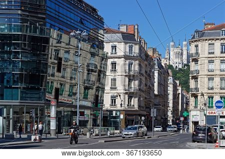Lyon, France, May 20, 2020 : City Center Relives After Confinement. Travel Ban In France, Popularize