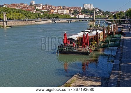 Lyon, France, May 20, 2020 : City Center Waiting During Confinement. Travel Ban In France, Populariz