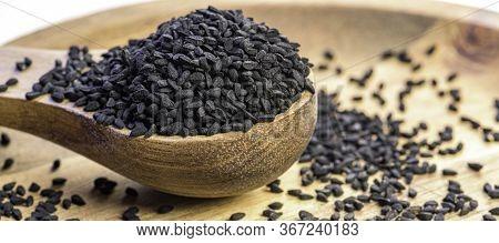 Black Cumin Seeds - Natural Antioxidant - Closeup - Banner Design