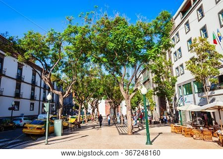 Funchal, Madeira - July 08, 2014: Pedestrian Street In Funchal City. Funchal Is The Capital And Larg