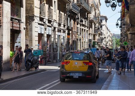 Barcelona, Spain - May 15, 2017: View Of The Carrer De Jaume I Street In Historical Center Of Barcel