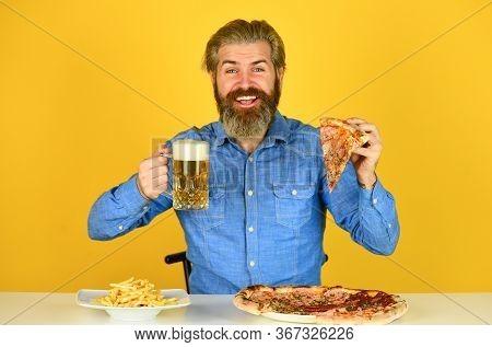 Best Party Here. Bachelor Men Club. Having Fun And Drink In Bar. American Pub Menu. Man Watching Foo