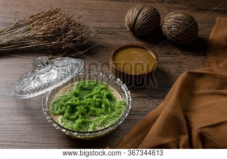 Lod Chong Or Cendol Dessert,sweetmeat Similar In Shape To Noodles Made From Rice And Pandan Eaten Wi
