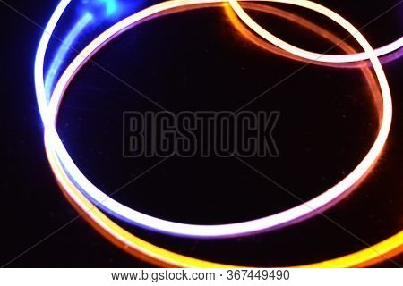 Yellow And Blue Light Wire, A Light Guide Wire With Different Light Transmission, Light Spectrum, An