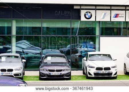 Bordeaux , Aquitaine / France - 10 27 2019 : Bmw Car Parked Outside Shop Automobile Dealership Motor