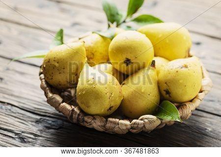 Fresh Sweet Yelow Pears
