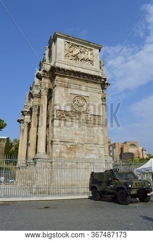 Rome, Italy - September 11, 2016 : Anti-terrorism Soldier On Patrol In Rome Tourist Sites