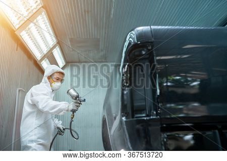 Auto Tech Airbrush Painting Color Car In The Room Garage