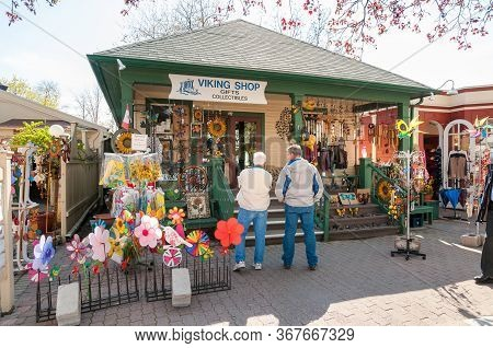 People Visiting Outdoor Market With Gifts Shop In The Center Of Niagara-on-the-lake, Canada