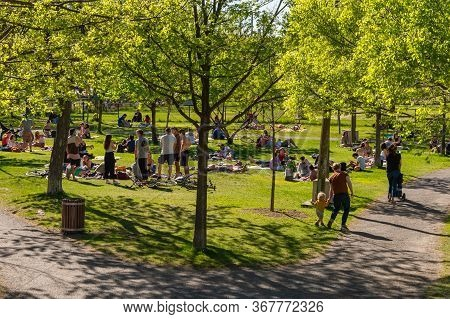 Montreal, Ca - 23 May 2020 : People Gathering During Coronavirus Pandemic In Laurier Park