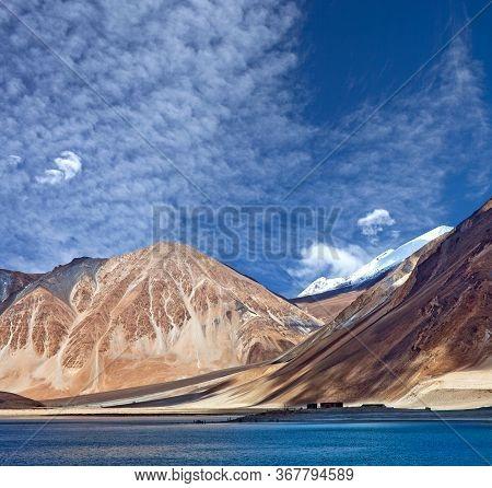Pangong Lake In Ladakh, Jammu And Kashmir, India. Pangong Tso Is An Endorheic Lake In The Indian Him