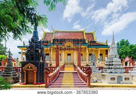 Phnom Penh, Cambodia - 8 May 2014: The Royal Palace And King Residence Main Building In Phnom Penh,
