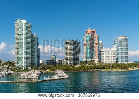 Miami, Fl, United States - April 28, 2019: Luxury High-rise Condominiums Overlooking Boat Parking On