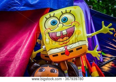 Falcon Heights, Minnesota - August 20, 2018: Spongebob Squarepants Balloon Displayed As A Carnival P