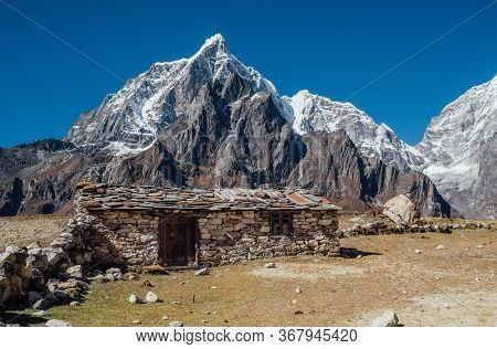 Picturesque View Authentic Tibetan Habitation And Stone Fence In The Khumbu Region In Nepal With Maj