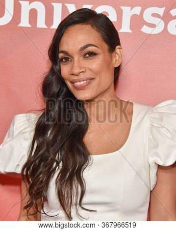 LOS ANGELES - JAN 11:  Rosario Dawson on the red carpet at the NBCUniversal Winter TCA 2020 on January 11, 2020 in Pasadena, CA