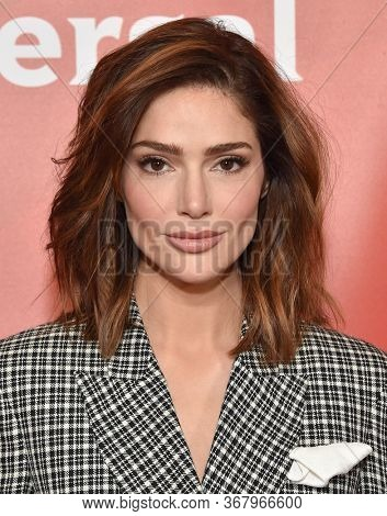 LOS ANGELES - JAN 11:  Janet Montgomery on the red carpet at the NBCUniversal Winter TCA 2020 on January 11, 2020 in Pasadena, CA