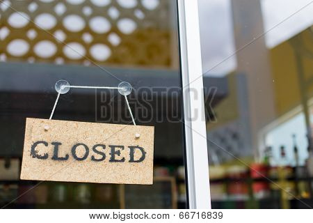 Close Hanging Sign