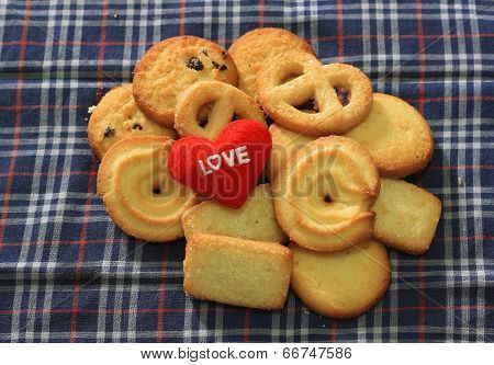 Message Love You And  Cookies For Valentine's Day