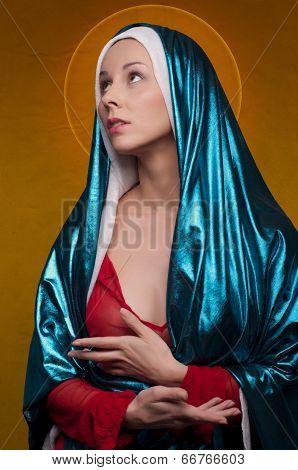 Virgin Mary With Sunrays