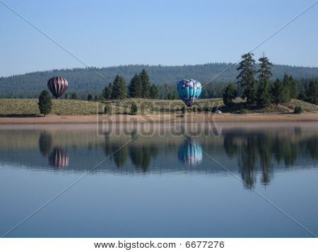 Hot air balloons over Prosser Reservoir