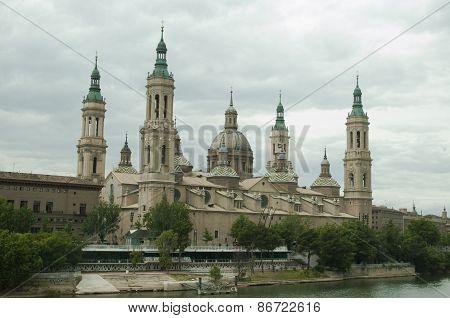 Zaragoza, famouse old church