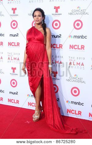 LOS ANGELES - SEP 27:  Dania Ramirez at the 2013 ALMA Awards - Arrivals at Pasadena Civic Auditorium on September 27, 2013 in Pasadena, CA