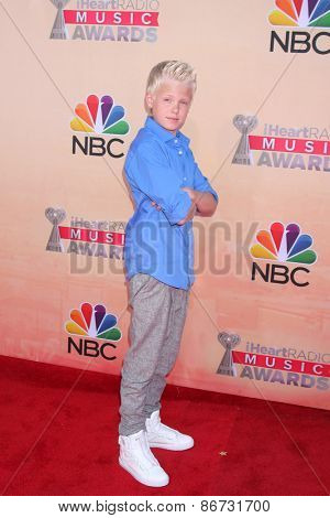 LOS ANGELES - MAR 29:  Carson Lueders at the 2015 iHeartRadio Music Awards  at the Shrine Auditorium on March 29, 2015 in Los Angeles, CA