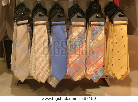 Tie Selection