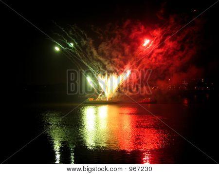 Fireworks06_16
