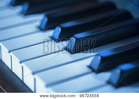 Piano key blues
