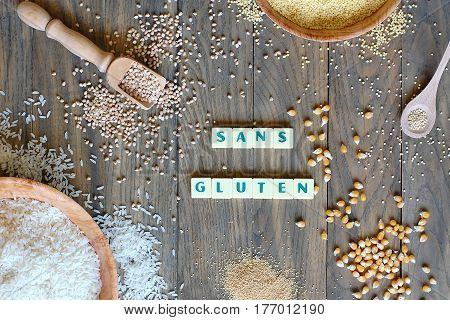 Gluten Free Cereals Corn, Rice, Buckwheat, Quinoa, Millet And Amaranth With Text Gluten Free In Fren