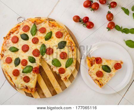 Fresh Pizza Margherita