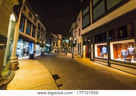 Boutiques in famous Rodeo Drive in California
