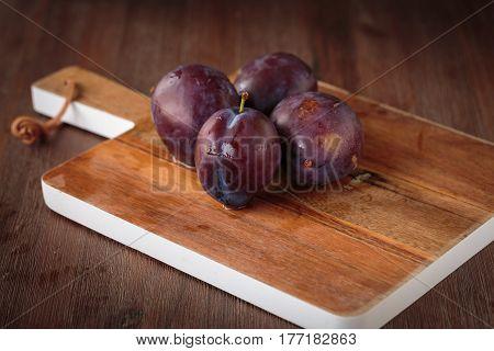Fresh Purple Pluns