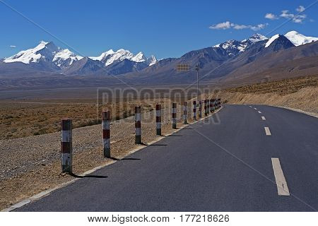 New road in Tibet on altitude at 5000 meters above sea level.